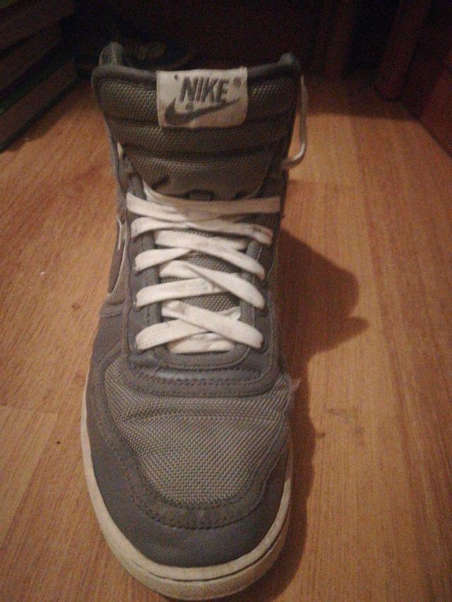 Nike caña alta!