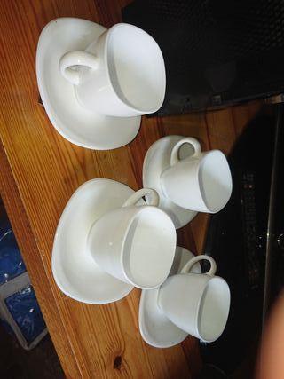 tazas con su plato