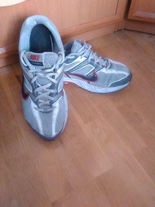 Zapatillas Nike Deportivas de segunda mano en Vitoria