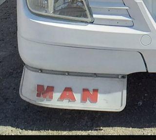 Faldon delantero Man.
