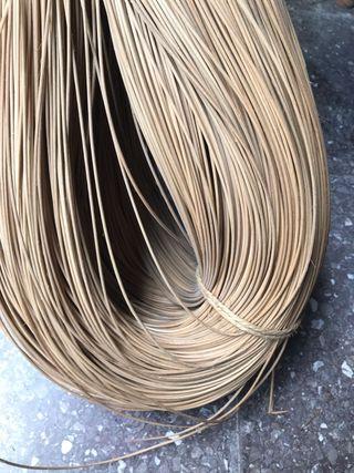 Médula, material para actividades de cestería