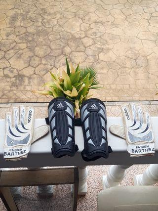 guantes y espinilleras