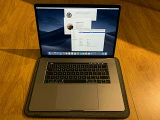 MacBook Pro 15 (2.6 6-core i7, 512GB, 16GB RAM, Ra