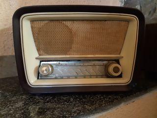 Radio antigua decoración.