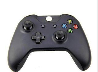X box controller black