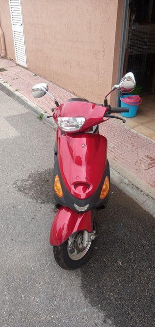 Se vende scooter kinroad