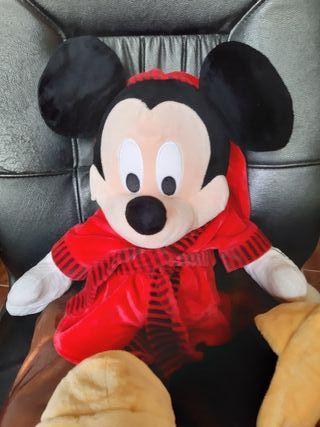 Peluche Gigante Mickey Mouse en Albornoz
