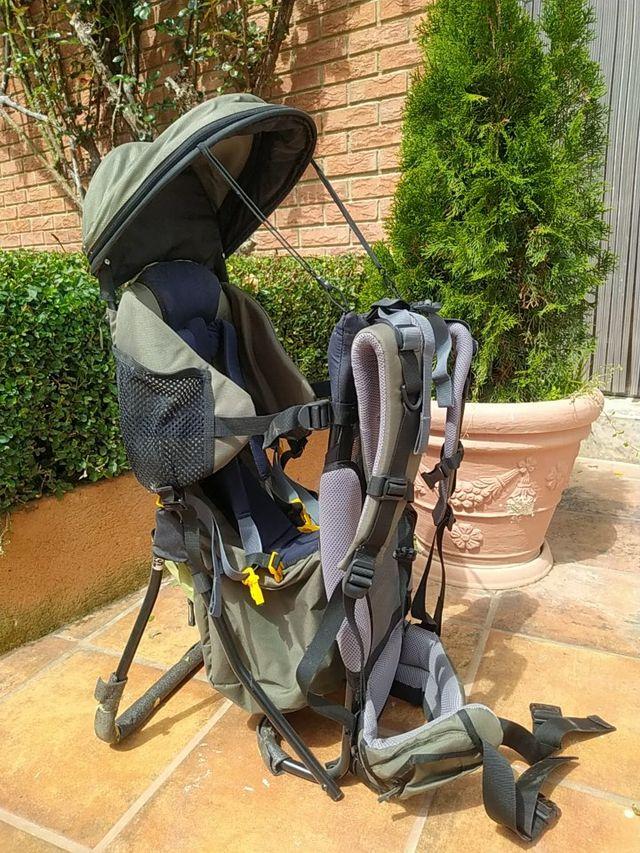Mochila porta bebés de montaña marca