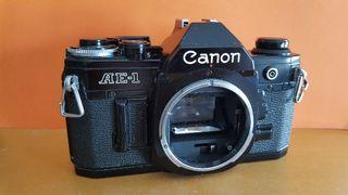 Canon AE1 negra
