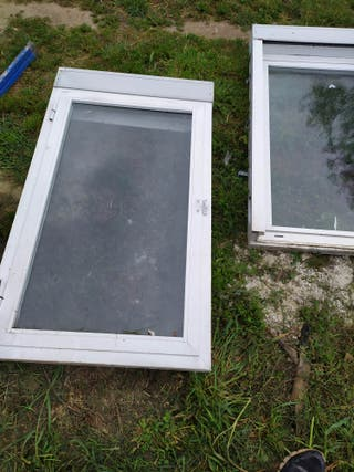 ventana abatible con persiana