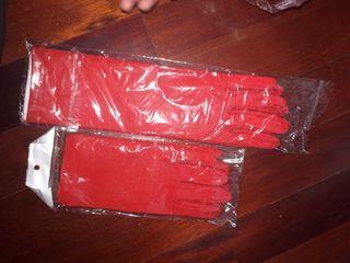 Guantes rojos ideales para varios disfraces