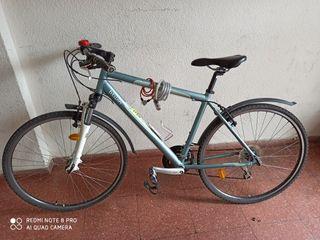 bici de paseo y ciudad Decathlon.