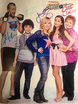 SAM AND CAT CAST AUTOGRAPH - ARIANA GRANDE