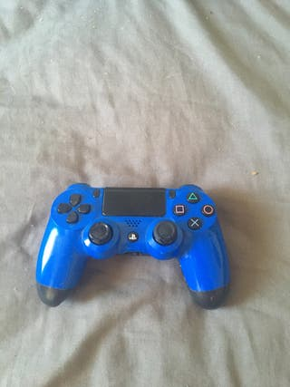 PS4 controller with games