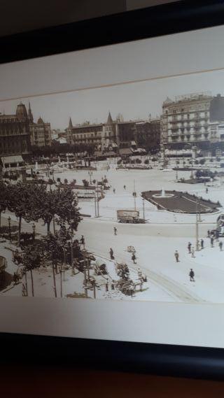 plaza Cataluña con carros
