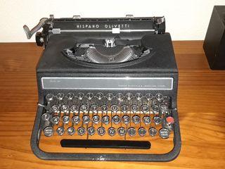 máquina de escribir antigua, tiene caja .