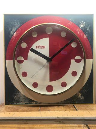 Reloj Vintage de pared de fabricación alemana