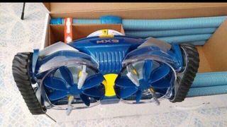 Robot limpiafondos de piscina Zodiac Mx9 completo