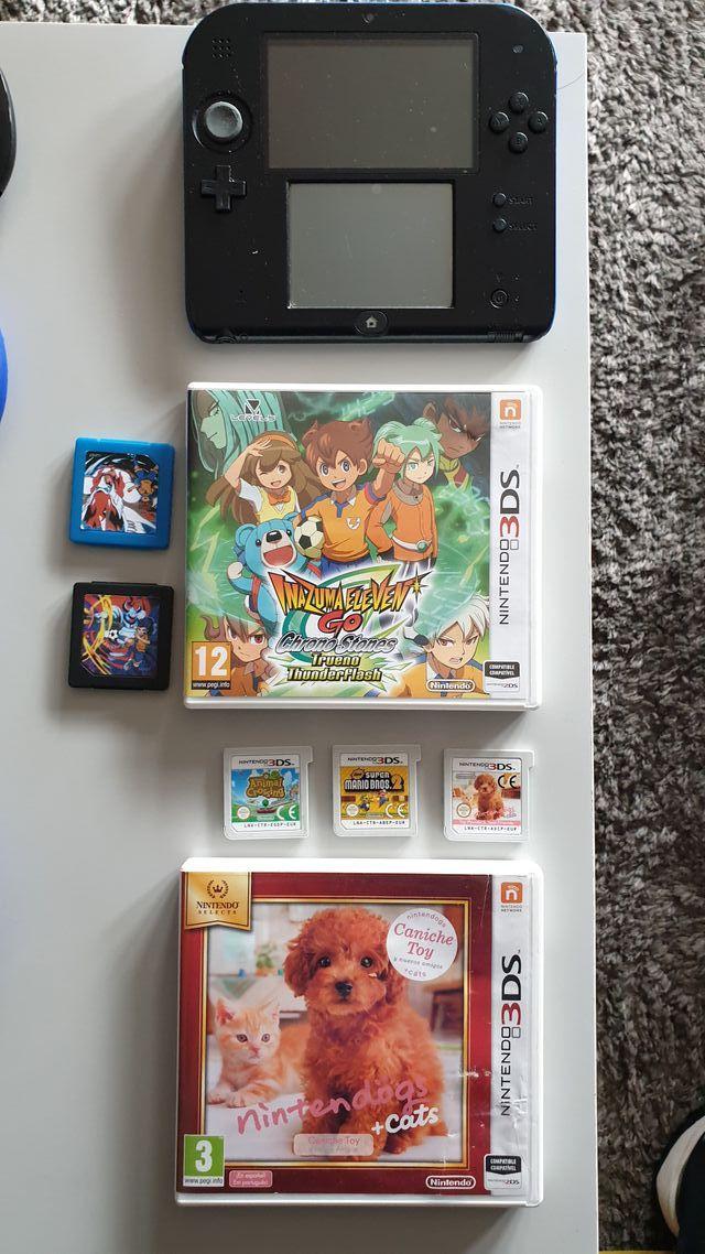 NINTENDO 3DS AZUL Y NEGRA CON JUEGOS