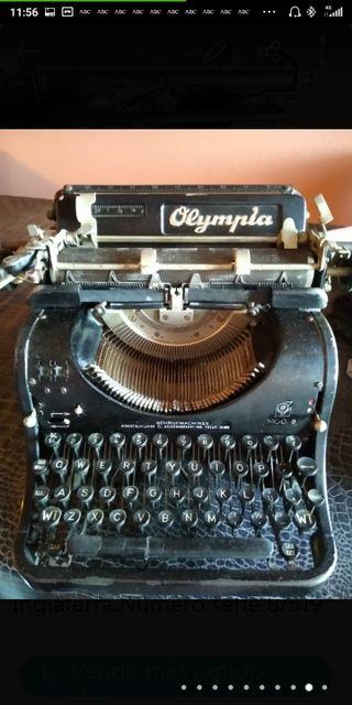 Maquina escribir antigua Olympia