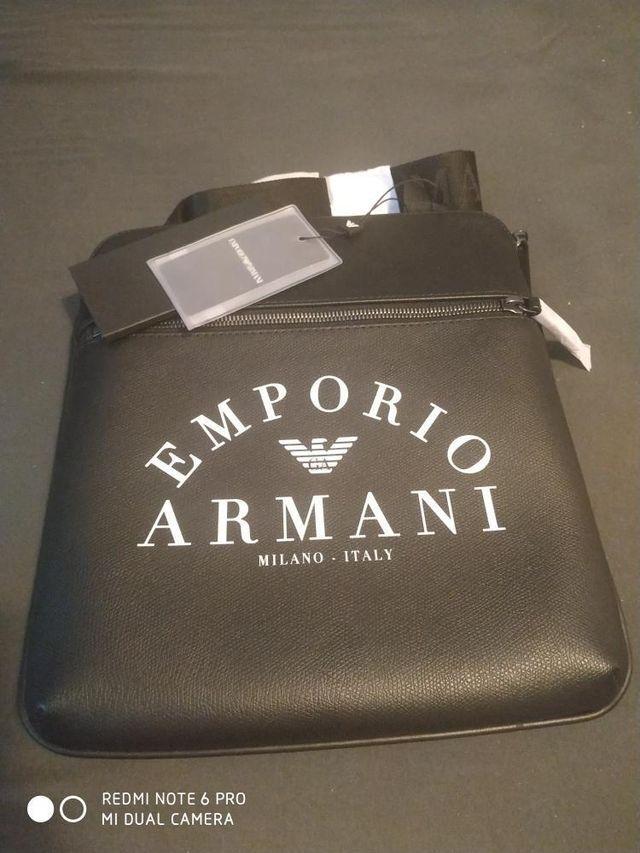 Bandolera Emporio Armani solo en efectivo