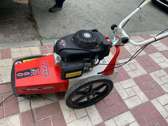 Desbrozadora de ruedas