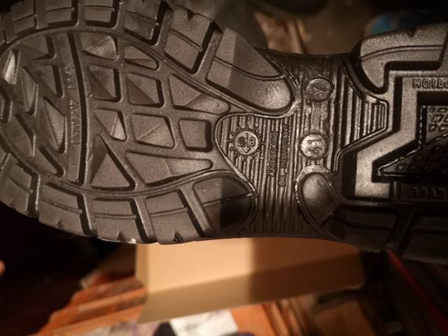 botas de trabajo nuevas