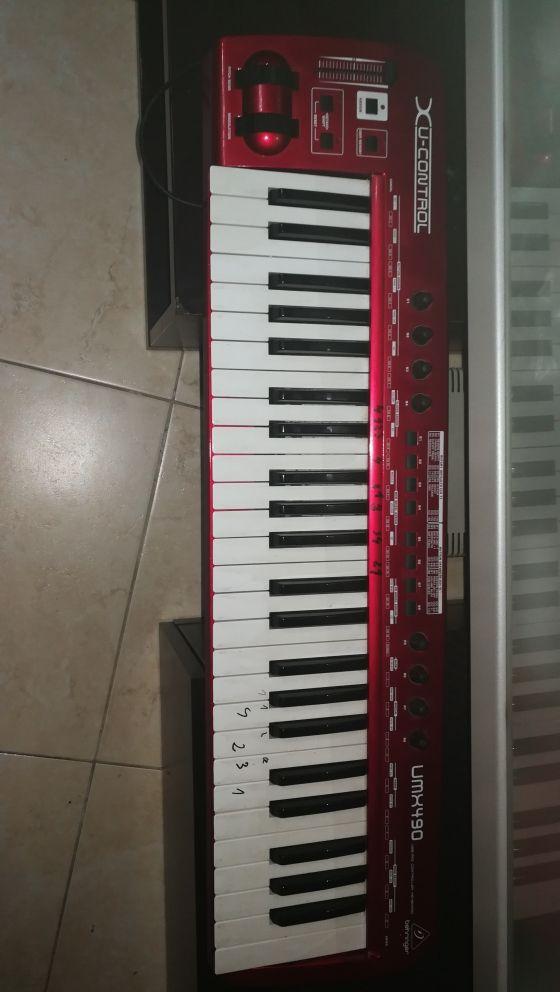 teclado midi berhinger 4 octavas