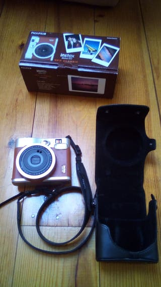 appareil photo instantané INSTAX + housse cuir
