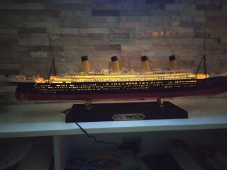 TITANIC iluminado