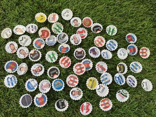 Lote Chapas Fútbol y adhesivos