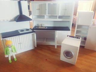 Muebles y accesorios miniatura - casa de muñecas