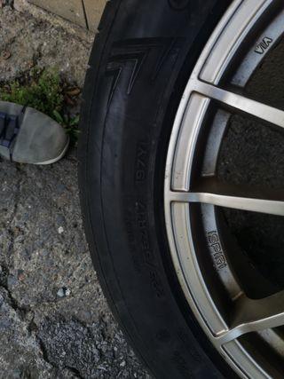 4 llantas 17 pulgadas con los neumáticos