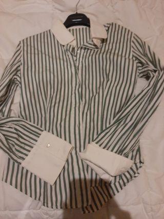 Camisa de rallas blancacon verde