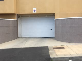 Garaje y trastero en venta