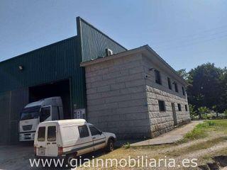 Nave industrial en alquiler en Ponteareas