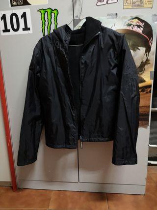 chaqueta de agua y abrigo