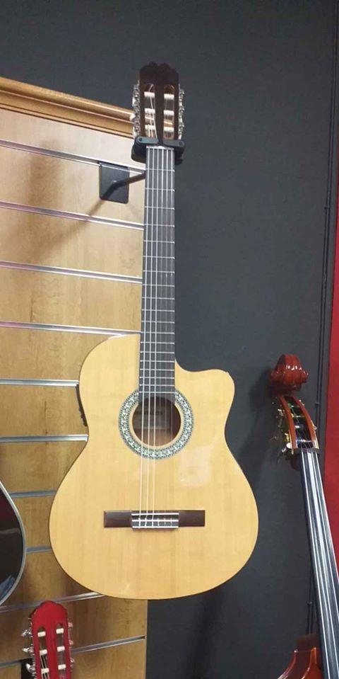 Guitarra EC Admira Sara