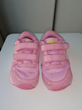 Puma bebé rosa número 21