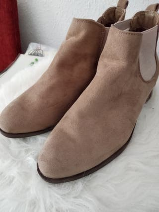 botines color camel