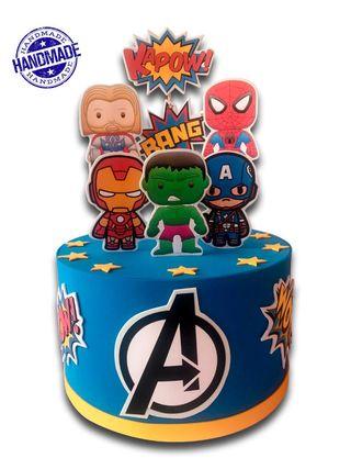Tarta falsa Avengers