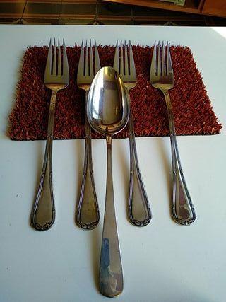 Tenedor y Cuchara para servir