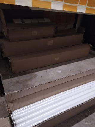 Caja con luces fluorescentes