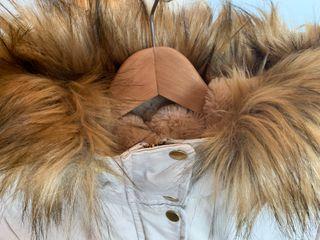 Precioso Plumífero de Pelo Pull & Bear