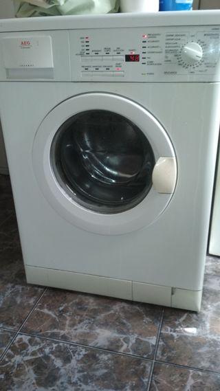 lavadora AEG 7kilos.