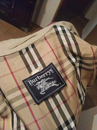 gabardina antigua de la marca burberry