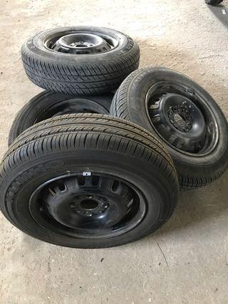 4 llantas 4x100 con neumáticos al 90%