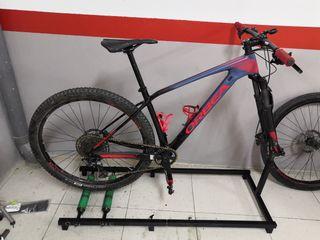 rodillo para la bici, la bici no està en venta.