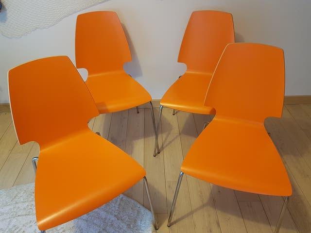 Chaises em bois orange, structure chromé