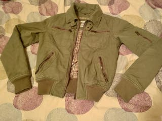 chaqueta mujer estilo bomber, militar